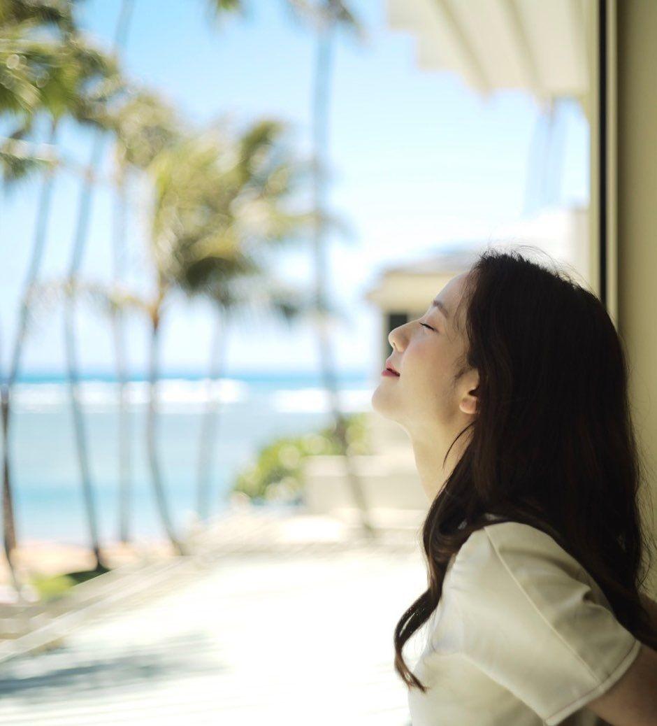 Segar Banget! Begini 10 Momen Seru BLACKPINK saat Syuting di Hawaii