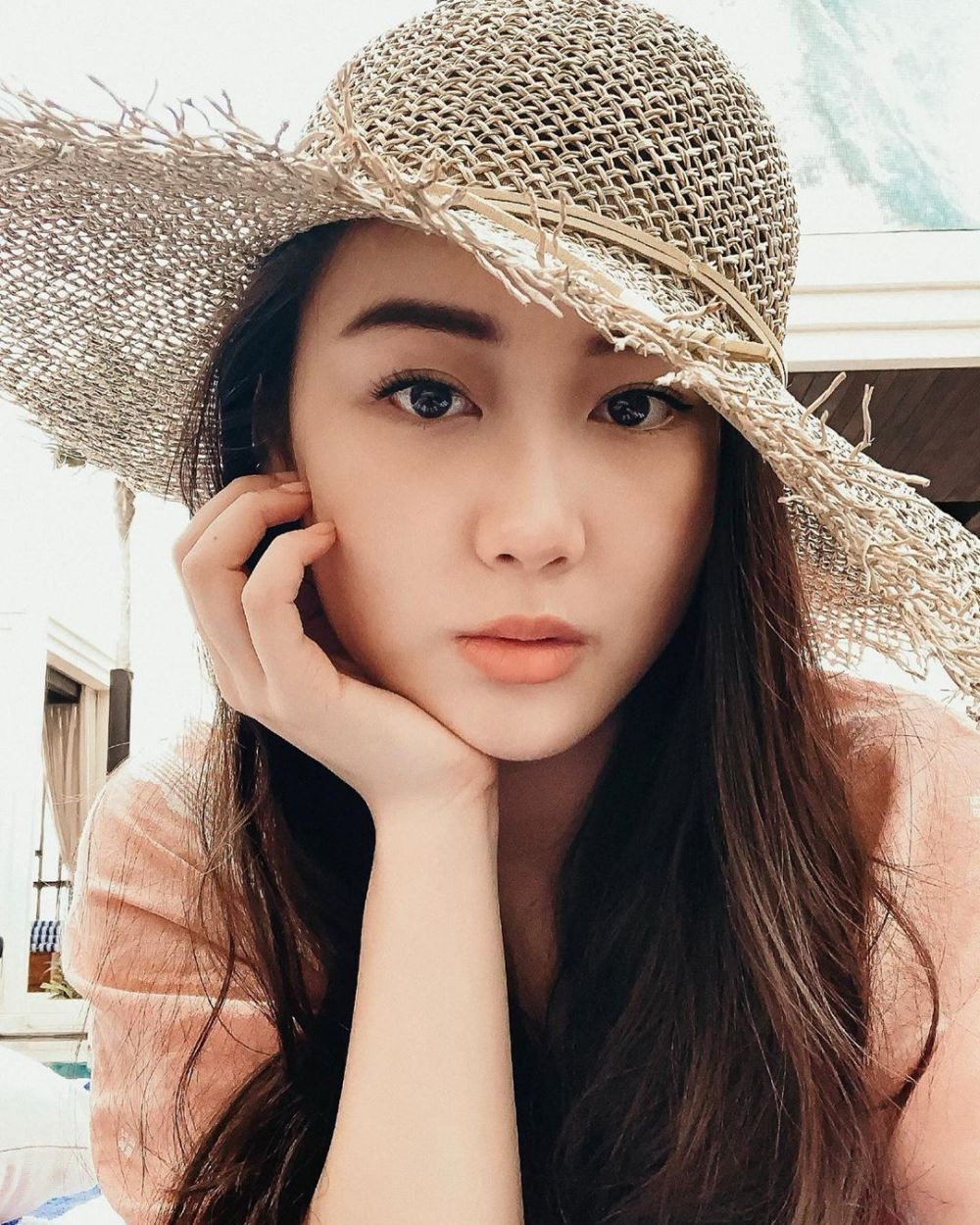 Bak Artis Korea, Ini 10 Pesona Karen Vendela Tunangan Boy William