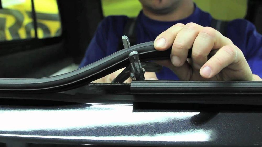 Kaca Jendela Mobil Sering Macet? Cek Bagian Ini Sebelum ke Bengkel