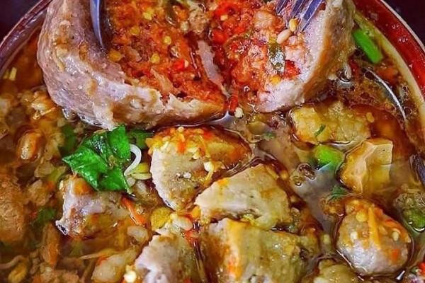 Resep Membuat Bakso Mercon Isi Cabai, Pedasnya Nendang!
