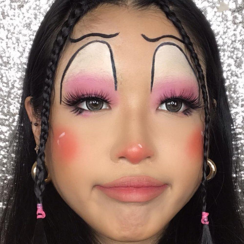 Unik dan Nyentrik, 7 Gaya Makeup Beauty Vlogger Cindercella