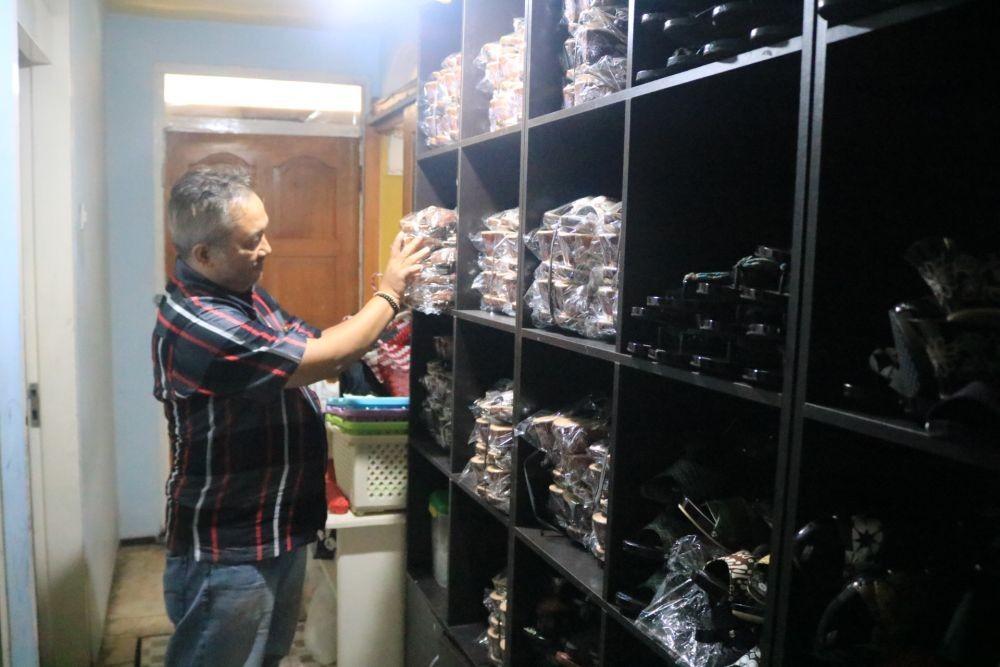 Menengok Bisnis Klompen Batik Beromset Puluhan Juta