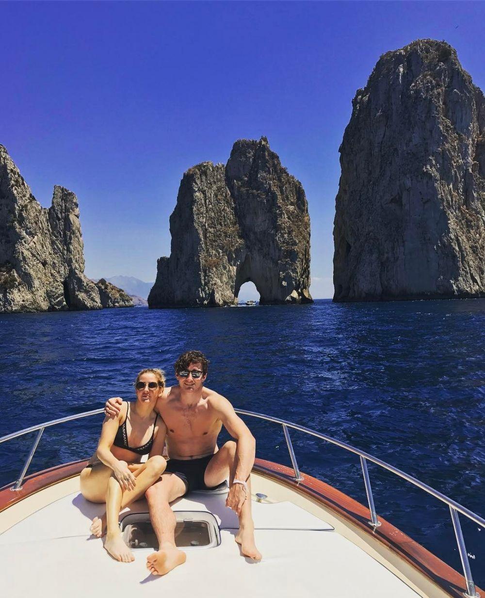 Resmi Menikah, 10 Perjalanan Cinta Ellie Goulding & Caspar Jopling