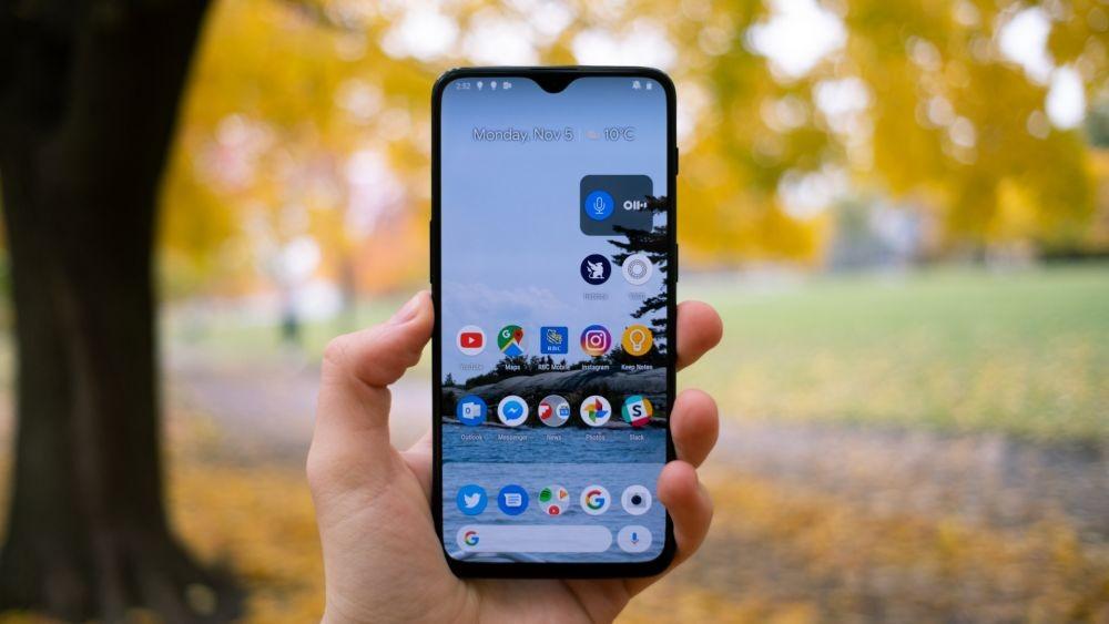 7 Smartphone Flagship 2018 yang Masih Layak Digunakan di 2019