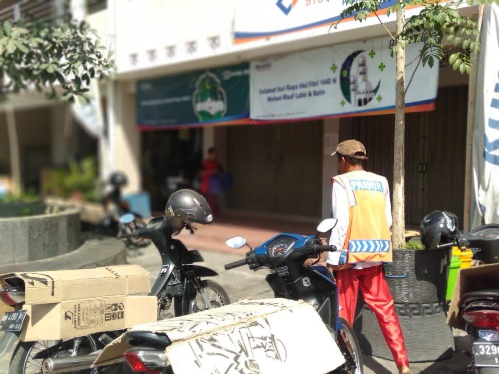 Warga Makassar: Jukir Liar Mirip Ninja, Tiba-tiba Minta Duit Parkir