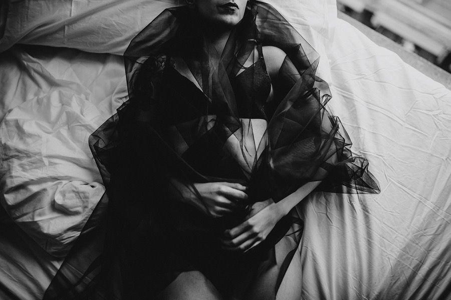 Kenali 7 Mitos tentang BDSM, Benarkah Berhubungan Seks dengan Kasar?