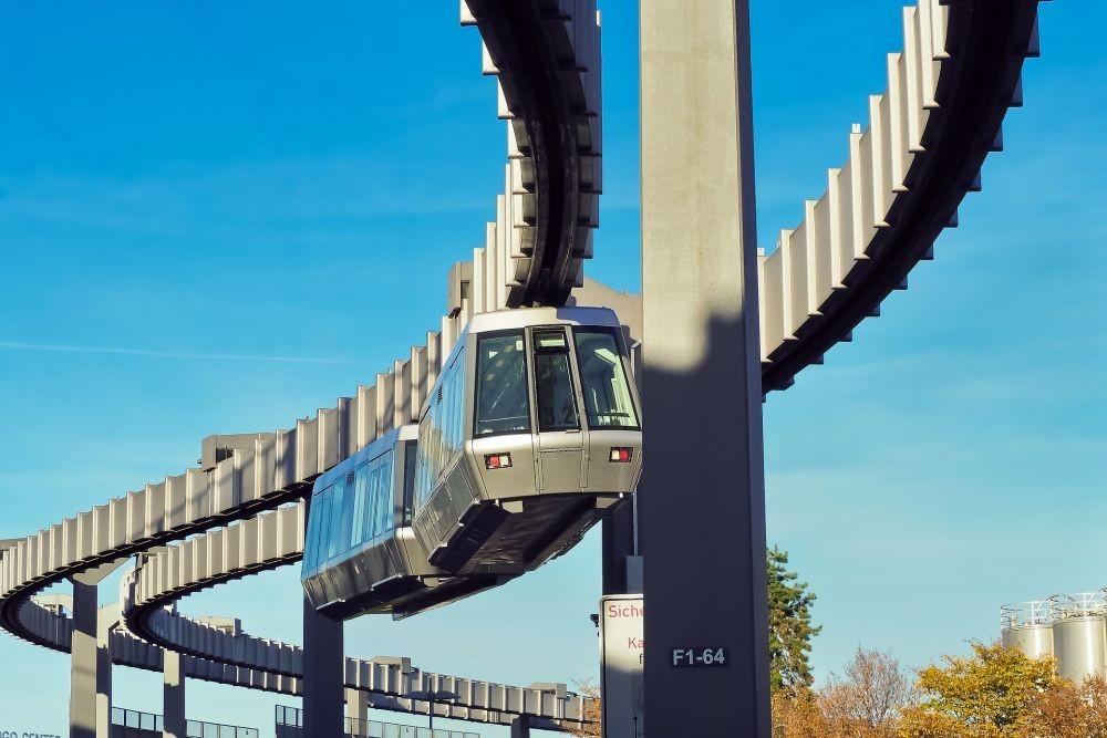 Dapat Tawaran Skytrain dari Tiongkok, Khofifah Sebut Keunggulannya