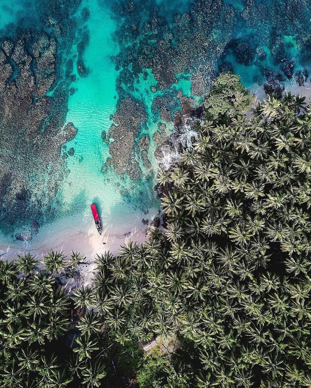Rekomendasi 10 Pulau Tercantik di Indonesia, Ada Surga Peselancar
