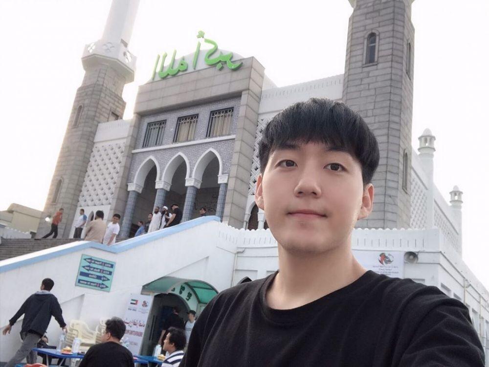 10 Potret Jay Kim, YouTuber Hits Korea Selatan yang Jadi Mualaf