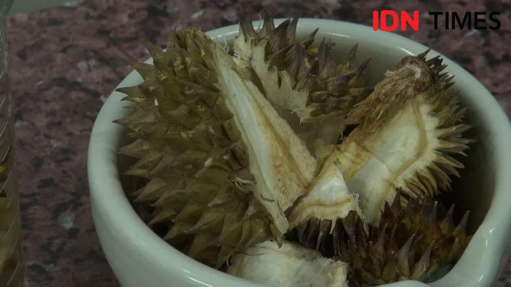Kreatif! Siswa SMP Ubah Kulit Durian Jadi Hand Sanitizer