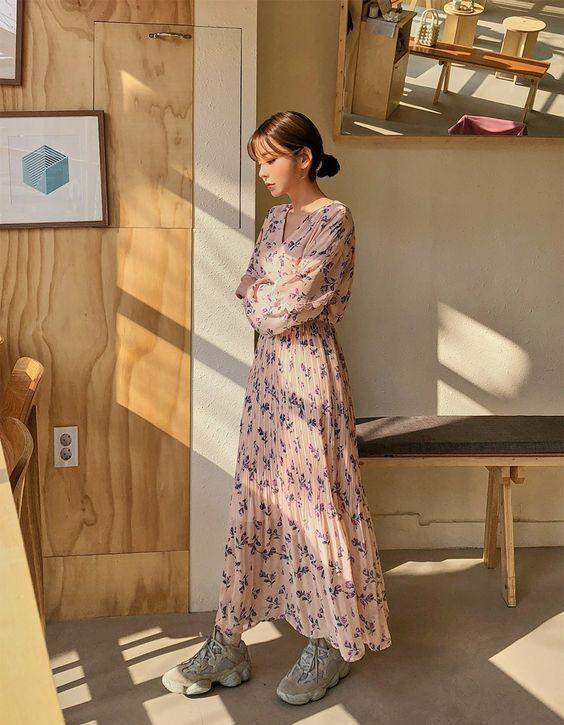 Berkelas dan Kekinian! Ini 10 Gaya Fashion Item Minimalis ala Korea