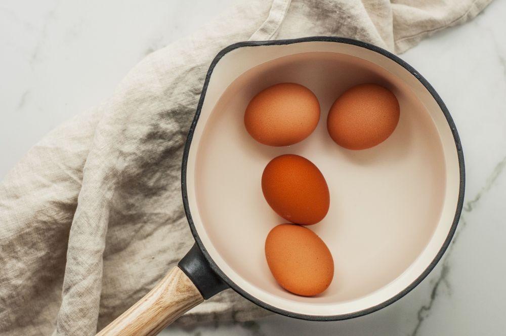 Gak Sembarangan, Ini 9 Tips Memasak Telur Rebus Setengah Matang