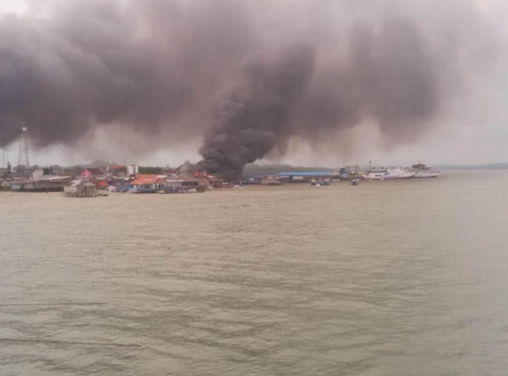 Sejumlah Rumah Dibakar Massa, Calon Ibu Kota Baru Mencekam