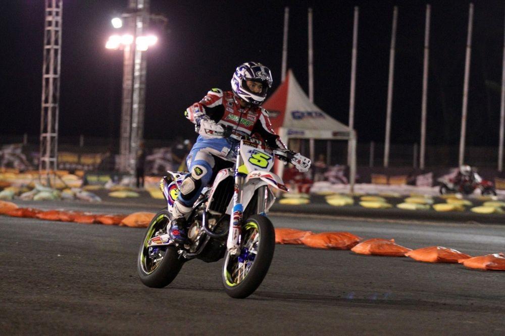 Doni Tata Ceritakan Perbedaan Balapan di Moto 2 dan Motocross