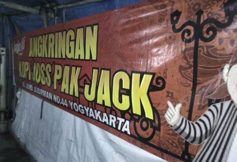 10 Rekomendasi Angkringan di Yogyakarta yang Enak dan Murah Meriah
