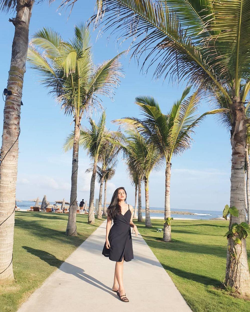 Jarang Terlihat di Layar Kaca, 10 Potret Terbaru Presenter Bianca Liza
