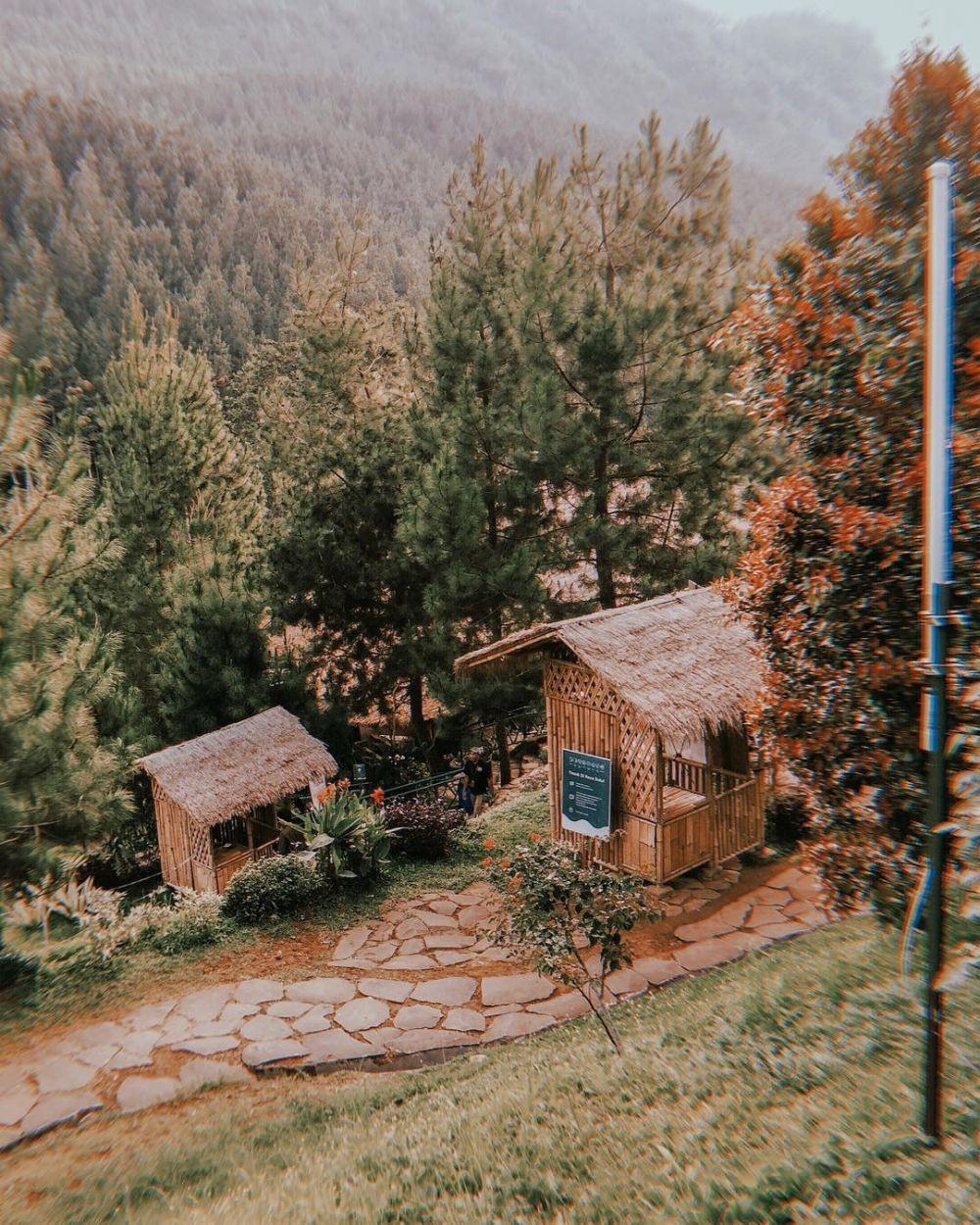 Wisata The Lodge Maribaya Bandung: Rute, Lokasi, dan Harga Tiket