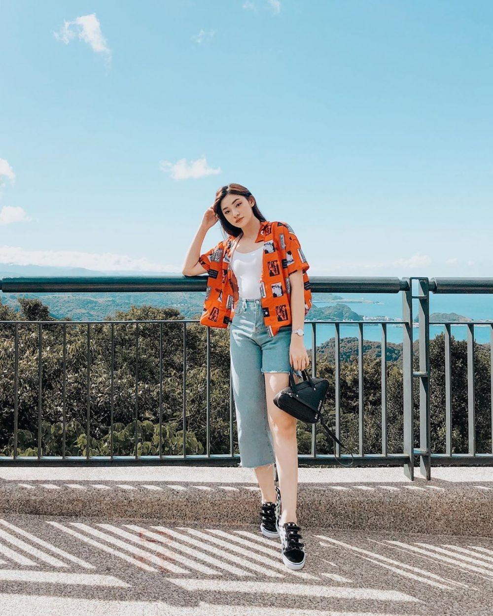 10 Padu Padan Outer Patricia Devina, Colorful dari Jaket hingga Blazer