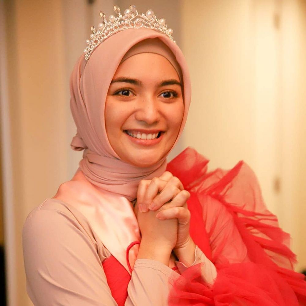 6 Style dan Gaya Makeup Citra Kirana saat Bridal Shower