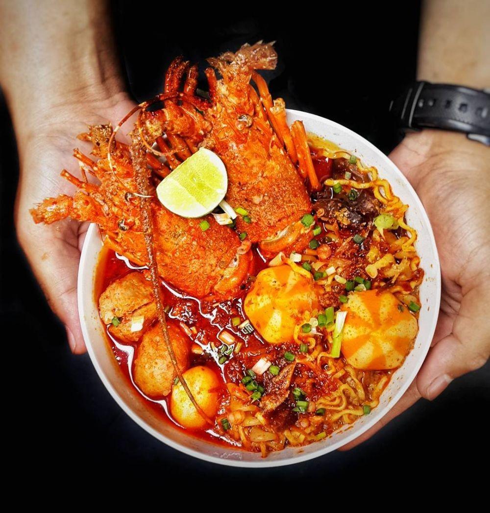 10 Tempat Makan Seblak Paling Enak di Surabaya, Sudah ke Sini?