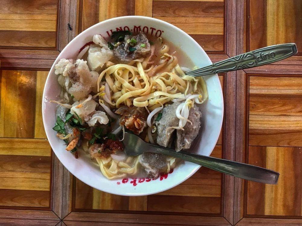 10 Rekomendasi Tempat Makan Mie Kocok di Bandung,Raos Pisan!