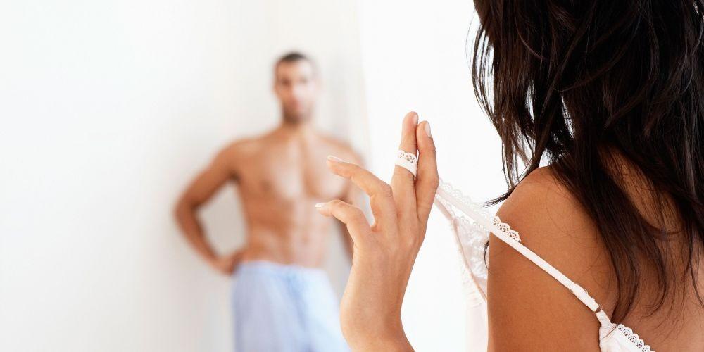 Jangan Langsung Main, Ini 7 Alasan Pentingnya Foreplay saat Bercinta