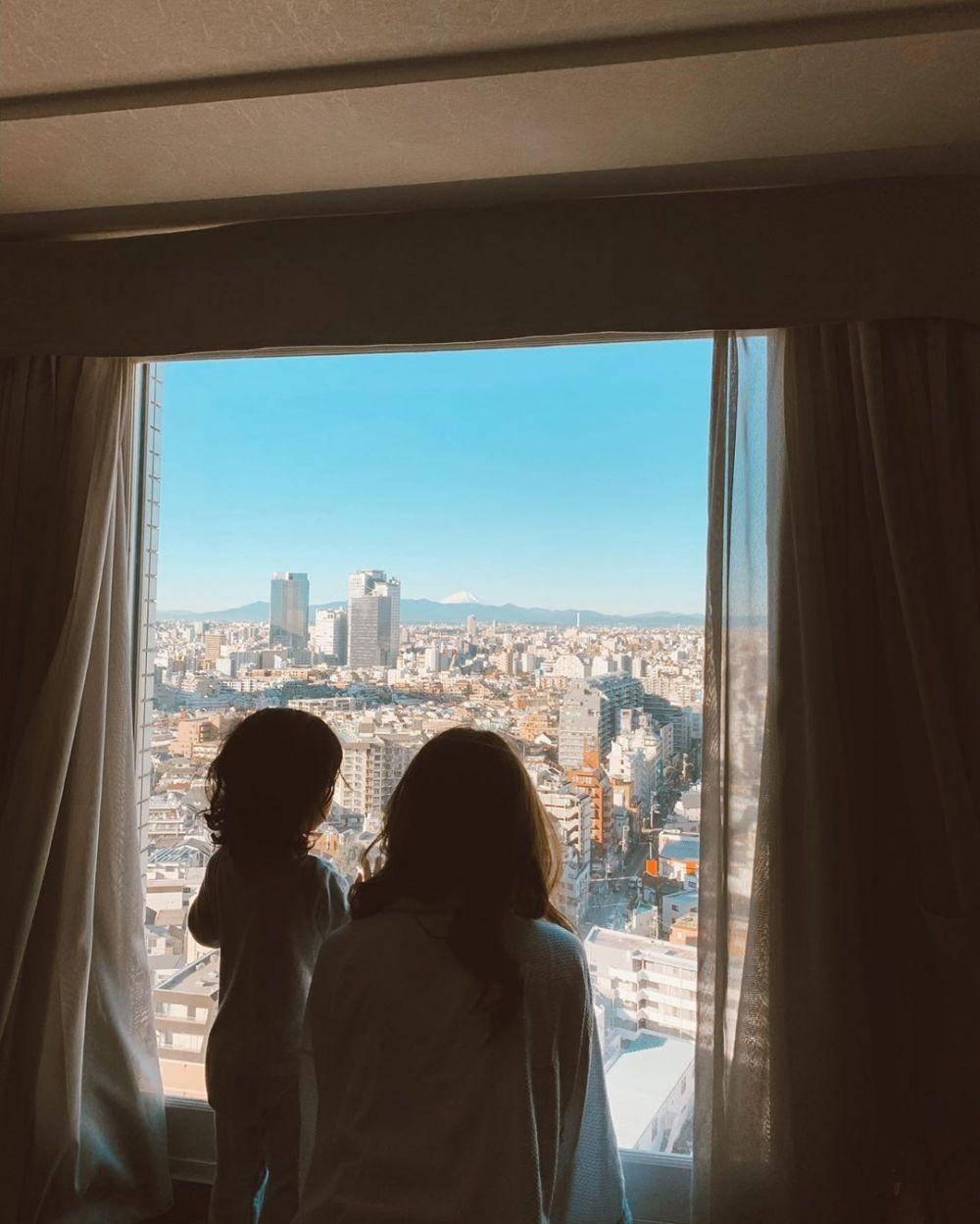 Hits Abis, Ini 10 Potret Liburan Fita Anggriani dan Keluarga ke Jepang