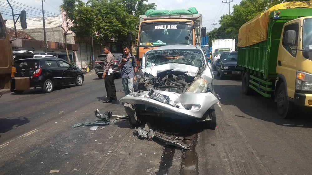 Kisah Hariyanto yang Selamat dari Kecelakaan Meski Mobilnya Ringsek