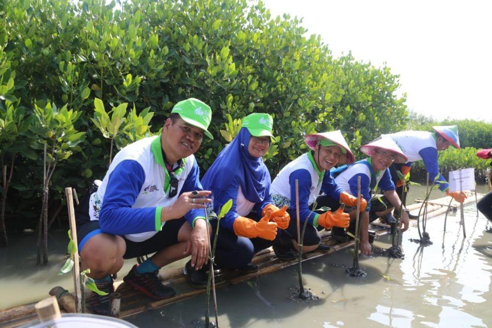 10 Potret Pengembangan Wisata Hutan Mangrove di Pesisir Semarang