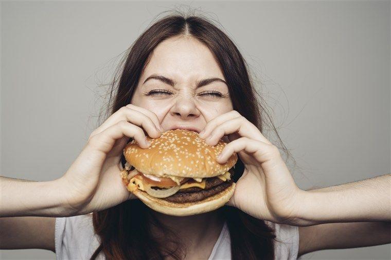 Mungkinkah Kita Makan sampai Perut Meledak? Ini Penjelasan Ilmiahnya!