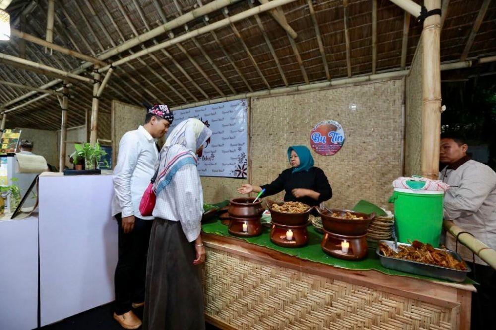 Ingin Cicipi Kuliner Khas Banyuwangi? Datang Saja ke Taman Blambangan