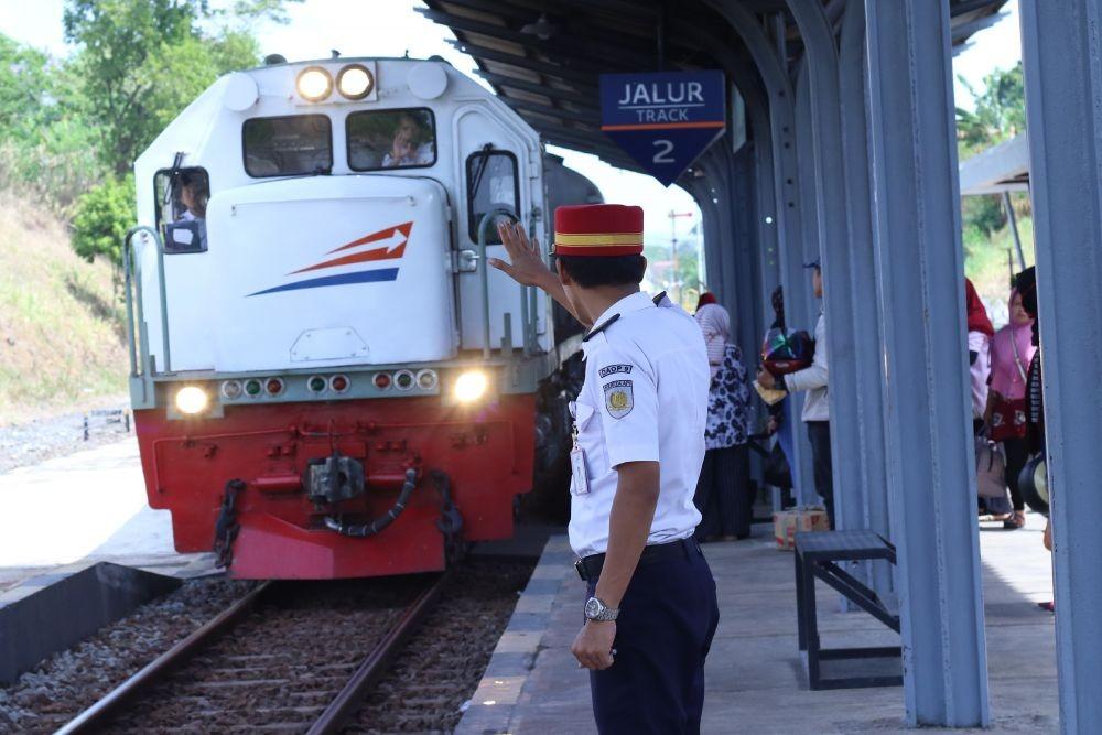 Jalur di Karawang Selesai Perbaikan,15 KA dari Jakarta Diberangkatkan