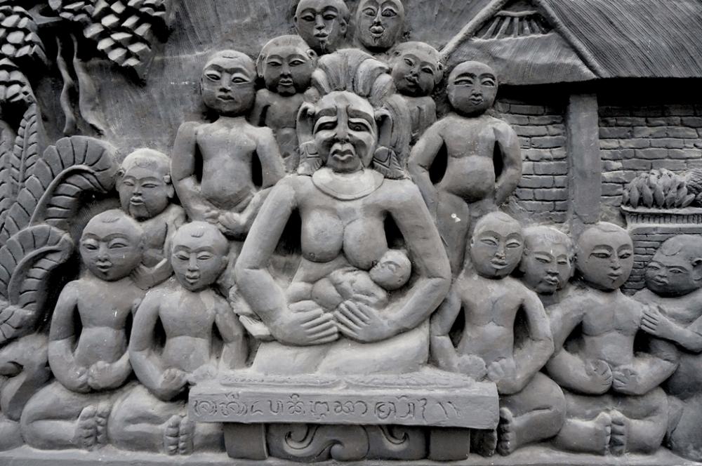 Legenda Men Brayut, Perempuan Bali yang Mendidik dan Merawat 18 Anak