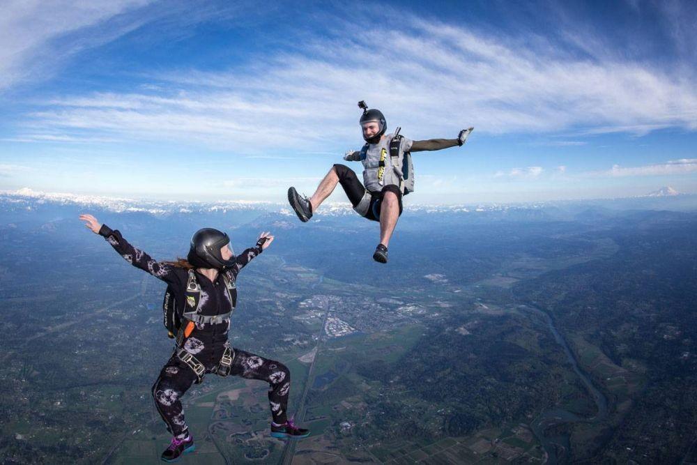 7 Tips Bermain Skydiving untuk Pemula, Siap Terbang Nyaman di Udara
