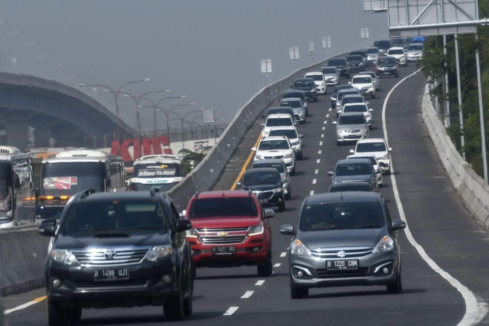 Sering Terjadi Kecelakaan Maut, Ini 6 Tips Mengemudi Aman di Jalan Tol
