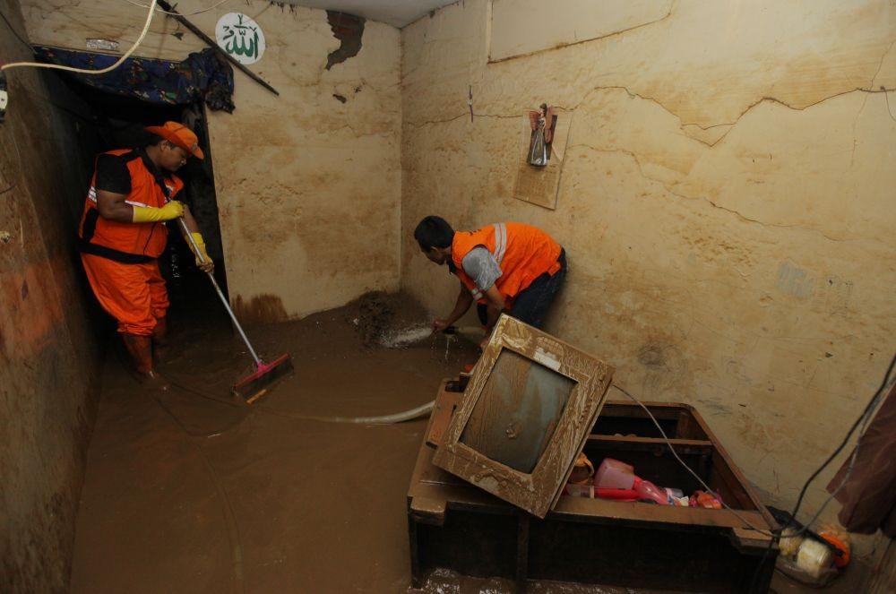 Warga Korban Banjir dan Longsor di Jember Butuh Bantuan