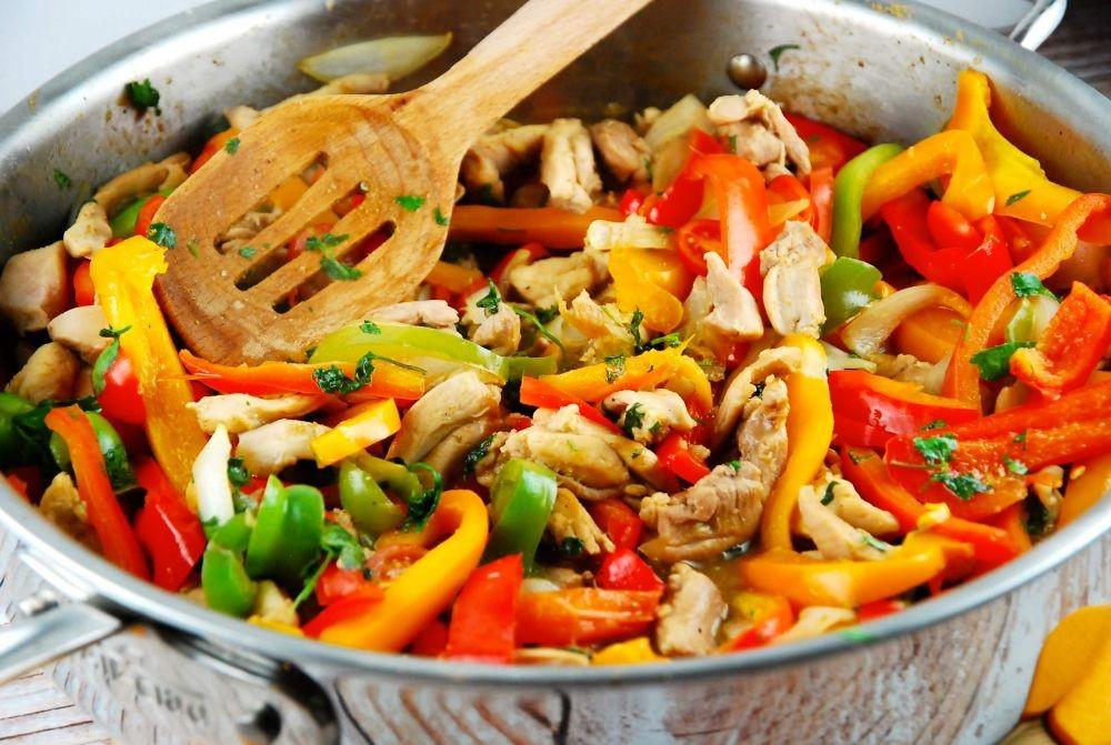 Hindari 10 Kesalahan Memasak Ayam, Bikin Kelezatannya berkurang