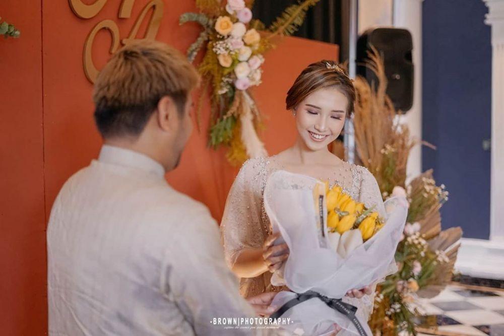9 Dekorasi Nuansa Pastel di Pertunangan Abdul Idol dan Artika Rustam