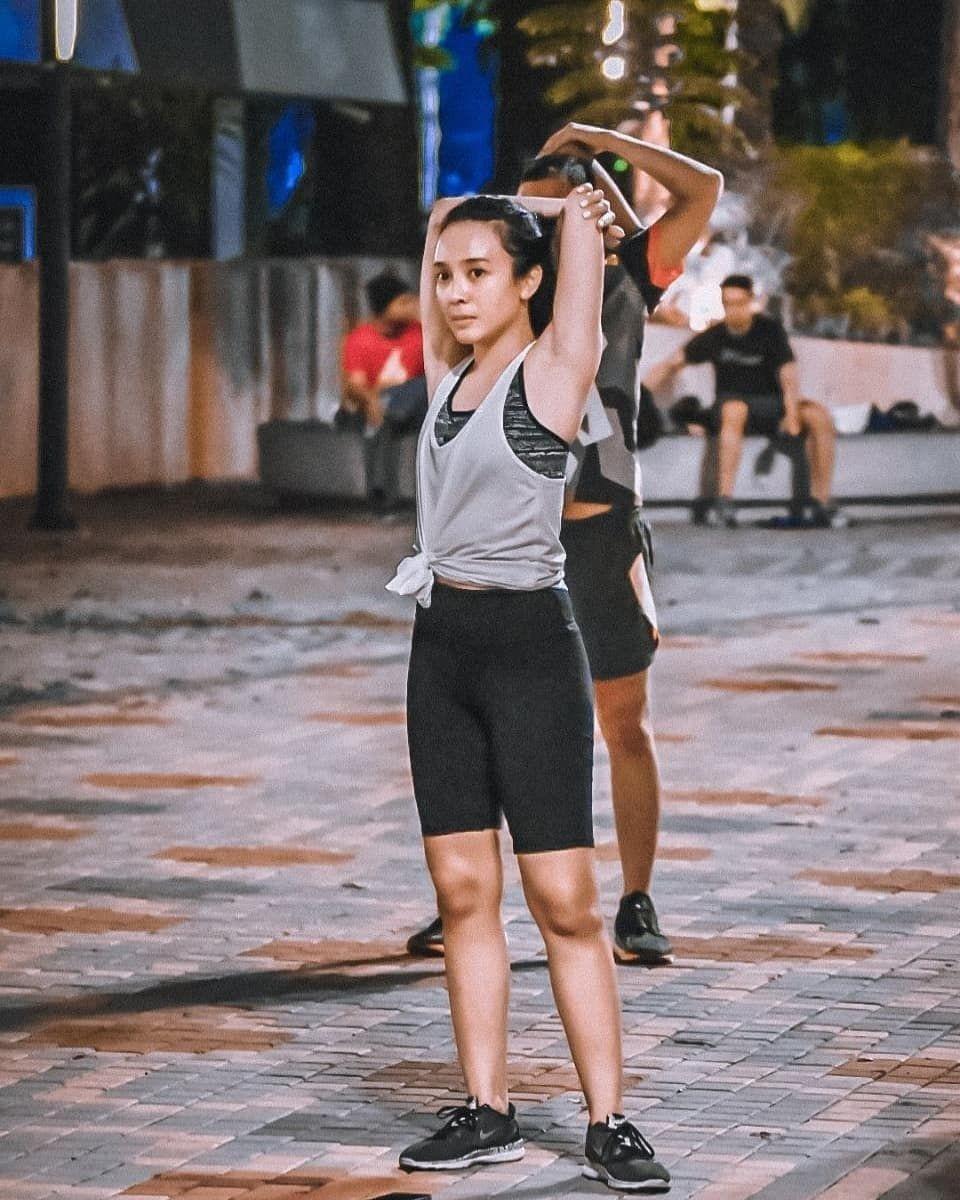 10 Potret Body Goals Dea Ananda saat Berolahraga, Bugar Banget!