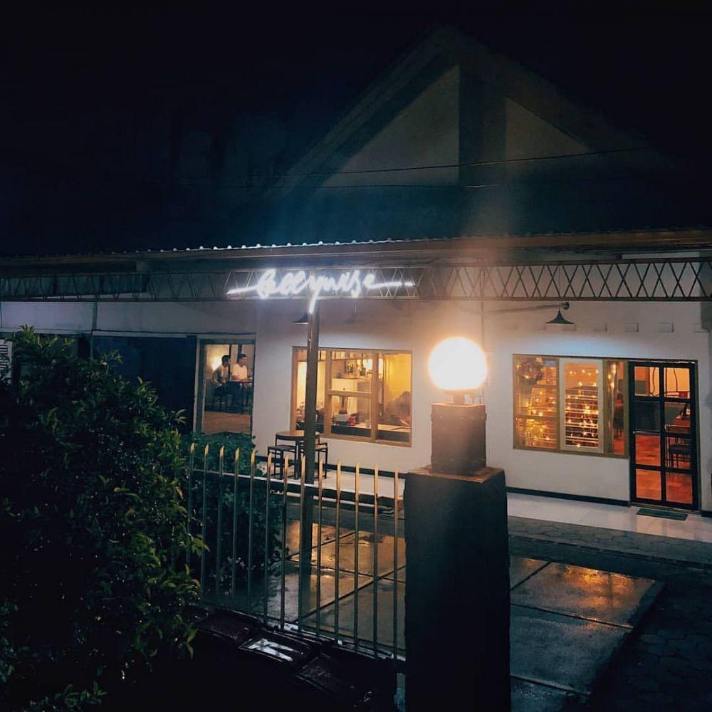 Viral! Masuk Resto di Semarang Naik Sepeda dengan Lampu Menyala