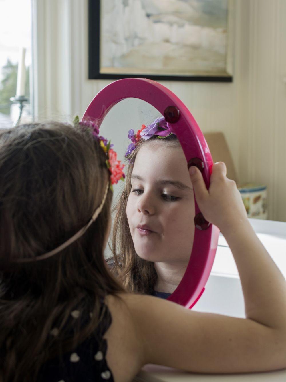 6 Cara Meditasi untuk Anak yang Sering Rewel, Bisa Cegah Tantrum!