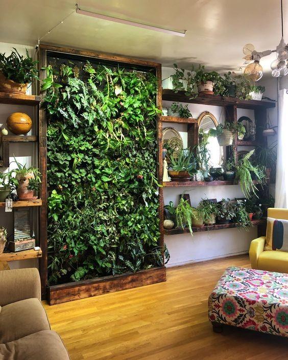 Adem Tapi Hemat Ruang, 9 Inspirasi Vertical Garden Ini Bisa Kamu Coba