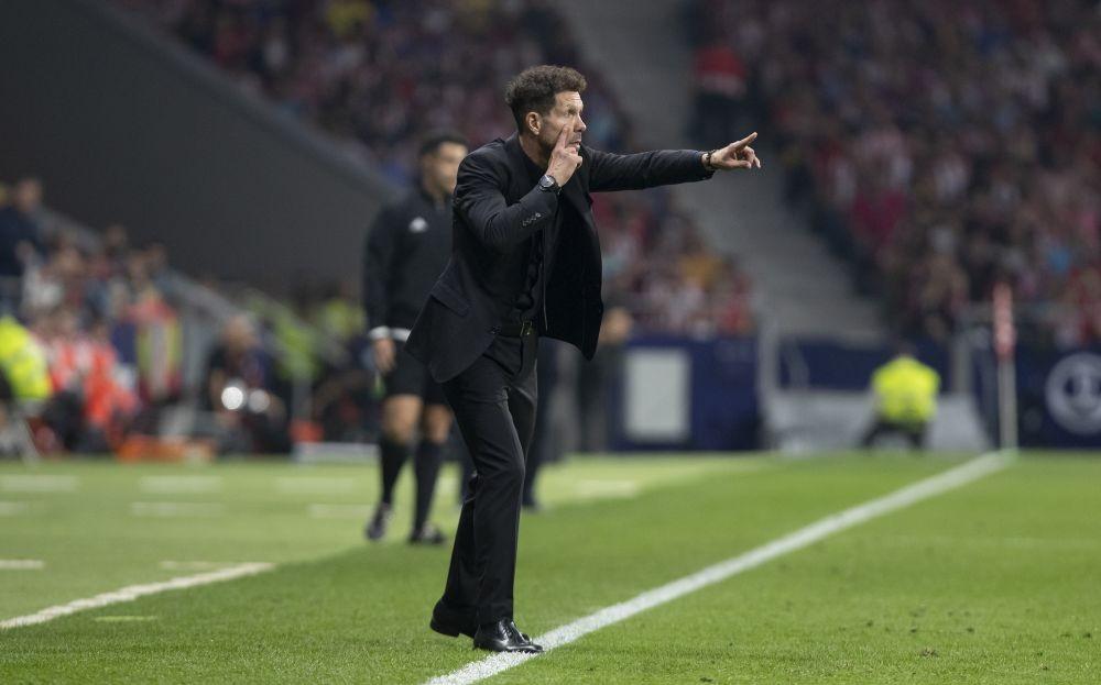 Duh! Pelatih Atletico Madrid Diego Simeone Positif COVID-19