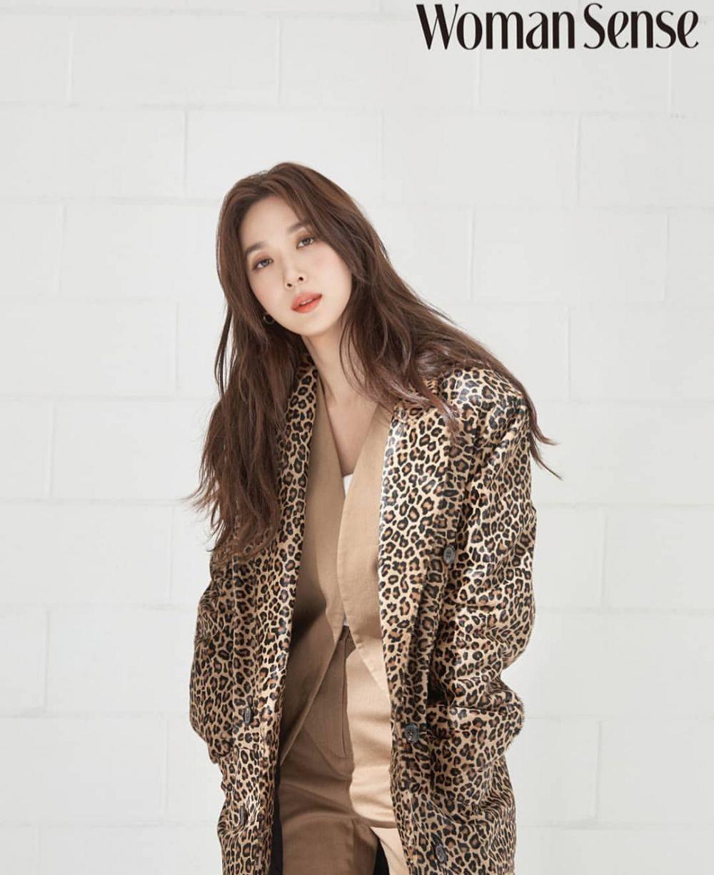 Jadi 'Kekasih' Seohyun SNSD, 10 Potret Lee Chung Ah 'Hello Dracula'