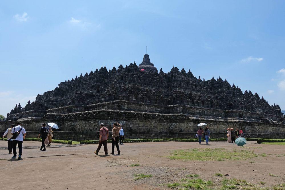 Aksi Vandalisme Marak, Puncak Candi Borobudur Ditutup bagi Wisatawan