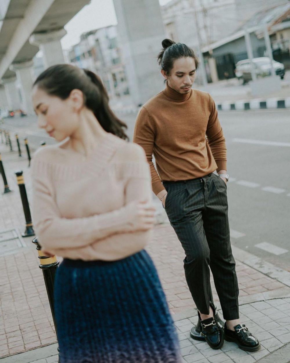 10 Ide Foto Prewedding ala Abel Cantika, Klasik hingga Street Style