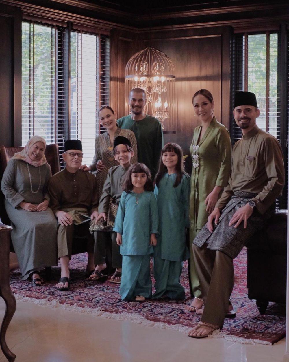 Indahnya Keberagaman dalam Keluarga Ashraf Sinclair, Family Goals!