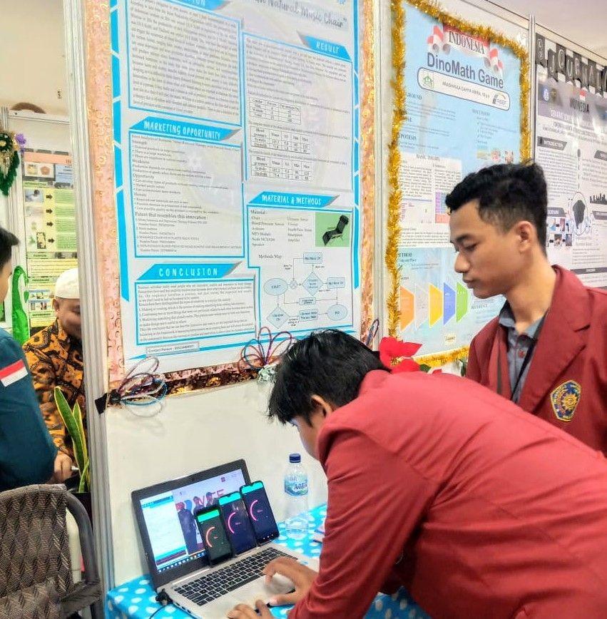 Kursi Terapi Penghilang Stres Mahasiswa UMM Menangi Ajang ASEAN