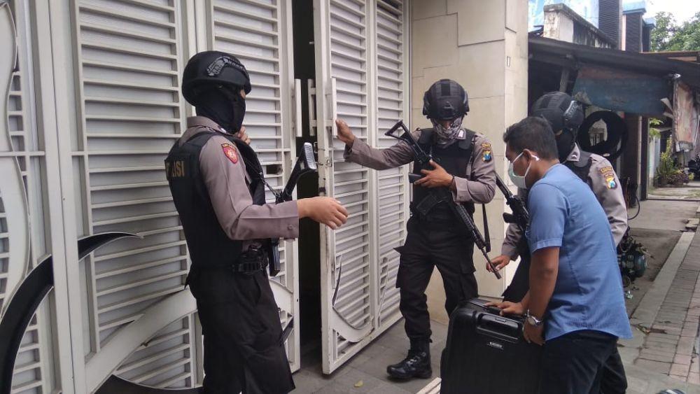 Kasus Sate Beracun, Polisi Geledah Tempat Kerja Nani