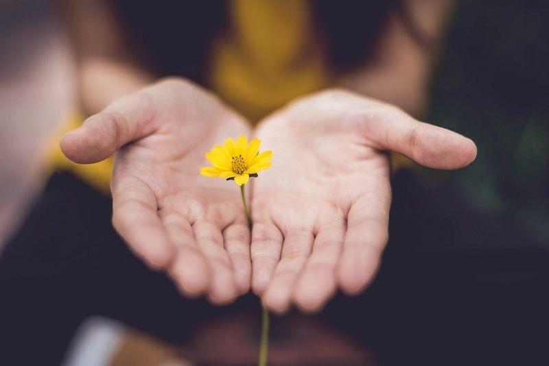 Saat Kehilangan Orang Tersayang, Kamu Bakal Melewati 5 Fase Ini